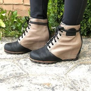 Sorel PDX wedge booties size 7